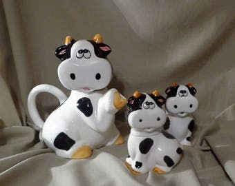 TEAPOT ~  Cow with Creamer and Sugar SET