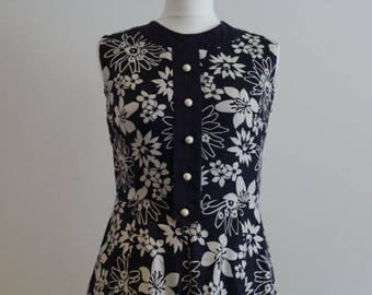 Vintage 60s Dark Blue & White Floral Dress Lined Sz S M US 6 8 Aus 10