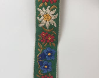 "Vintage 1970s Green Flower Trim 7/8"" wide 5 Yard Piece"