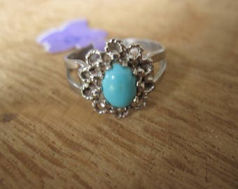 Sterling Silver Sarah Coventry Oval Turquoise Gemstone Flower Ring Size 7.5 (1156)