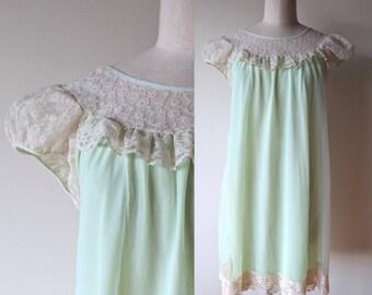 Vintage chiffon nightgown / pale green chiffon and lace short madmen nightie by Mary Barron size medium