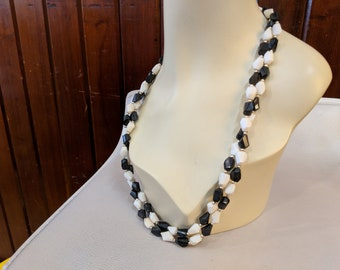 1980S // THE LONGEST STRAND // Black and White Beaded Single Strand Necklace