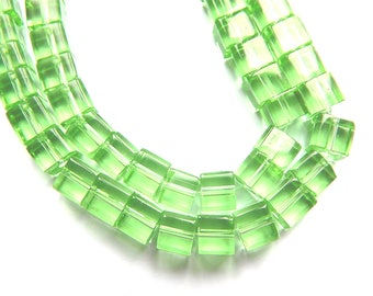 20 green glass cube beads clear 6mm