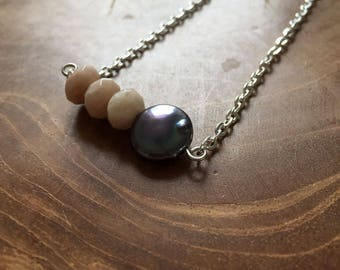 Sunstone and Pearl - necklace with 3 facetted sunstone beads and freshwater pearl. Gemstones, rocks, minerals, boho, gypsy, minimal