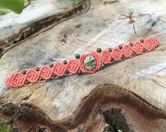 Macrame bracelet with a little jasper cabochon and bronze metal beads