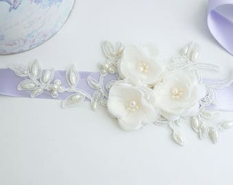 Lilac Bridal Sash, Ivory Flower Wedding Sash, Bridal Sash, Lavender Belt, Floral Belt, Wedding Dress Sash, Vintage sash, Lace Bridal Sash