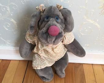 Vintage 1980s Grey Girl Dog Wrinkles Hand Puppet Stuffed Plush Animal Doll Toy!