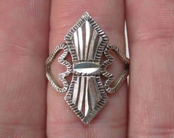 Vintage Sterling Diamond Cut Ring Size 6