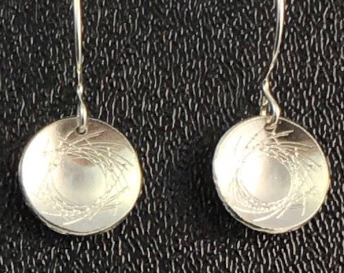 Engraved Sterling Silver Circle Disk Earrings \ Contemporary Style Earrings \ Career Wear