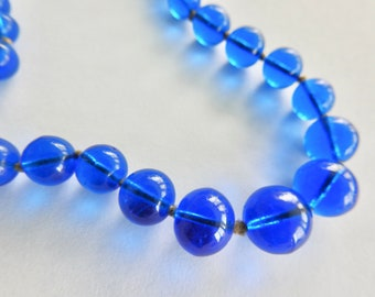 Deco Graduated Blue Glass Bead Necklace