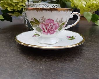 Vintage//Krone//coffee cup and saucer//Golden edge//beautiful roses motif second-hand dealer//English//style//eye-catcher!
