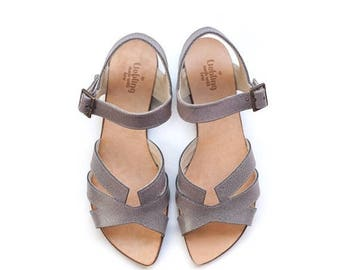 ON SALE June rossy grey sandals, hand made shoes by Liebling