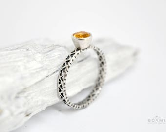 silver citrine ring, sterling silver statement citrine ring, yellow gem silver ring, hearts ring