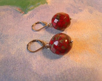 Bohemian Glass pearl red snake skin effect green stainless steel wires