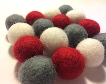 Wool Felt Ball Trivet, gift for her, Valentine's gift for mom, Valentine's gift for male teacher, eco friendly home decor coaster