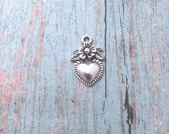 8 Milagro heart charms (1 sided) silver tone - silver Milagro heart pendants, sacred heart charms, folk charms, Latin American charms, XX6