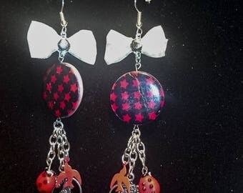 Earrings with pendants in shades of Red