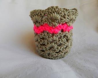 Crocheted flower pot