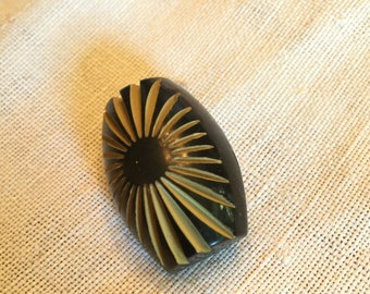 "Vintage Chunky Celluloid Button 1 3/8"", Carved Starburst"
