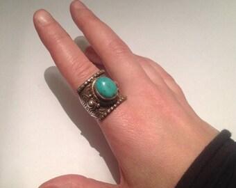 SALE15% Vintage Tibetan silver saddle ring, turquoise stone, saddle ring, Himalayan jewelry, Tibetan ring