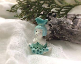 Ceramic cute brooch / Girl with bird / Summer brooch