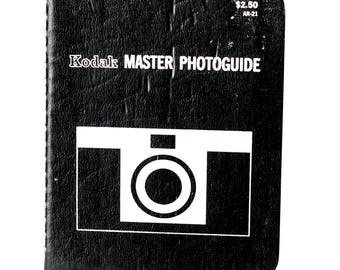 Kodak Master Photoguide 1970 1st printing 32 pg booklet