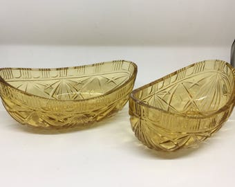 Vintage boat shaped glass serving dishes amber coloured x2