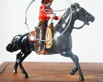 Antique Toy Cowboy Figure from a Toy Soldier Company / Britains' Ltd London / Authentic Original Lariot