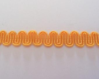 Yellow serpentine gold viscose/cotton height 8mm - ref B4 stripe