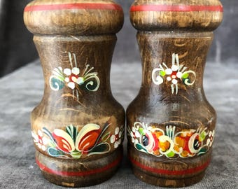 Folk art hand painted floral on wood salt pepper shaker set