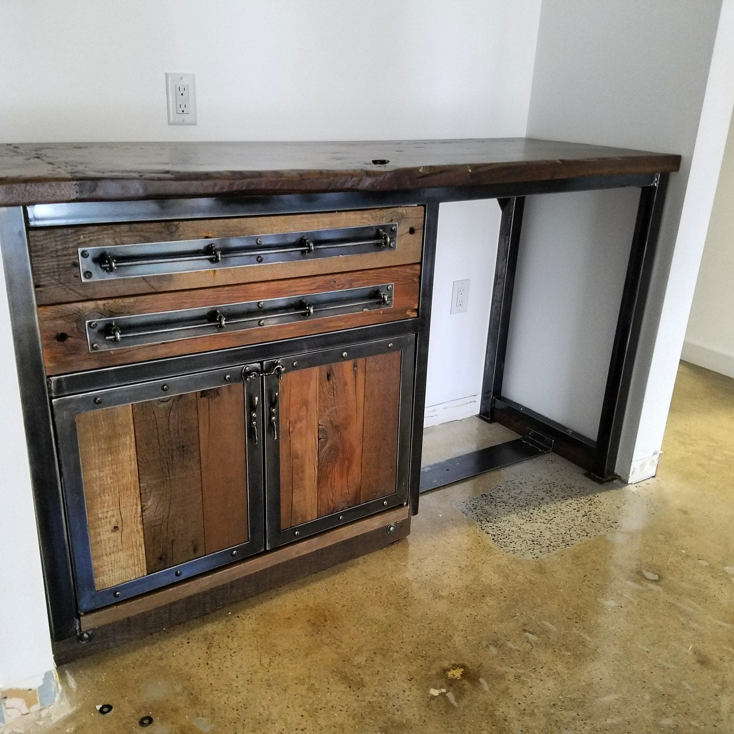 Industrial Vanity: Vintage Industrial Reclaimed Bathroom Vanity With Hardwood