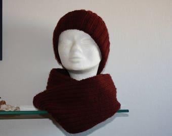Bonnet plus hand knitted neck circumference