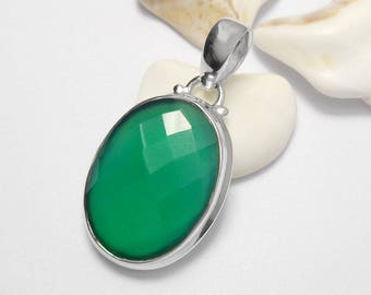 925 Sterling Silver Green Onyx Gemstone Pendant