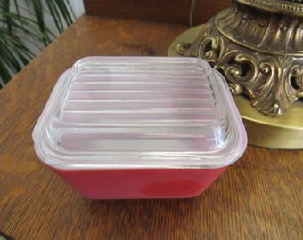 Vintage Red Pyrex Refrigerator Dish and Lid