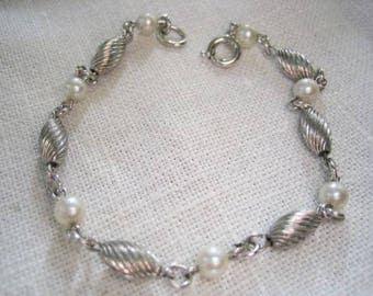 Vintage Sterling & Cultured Pearl Linked Bracelet