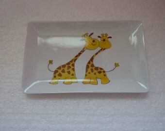 Assiettes plates rectangulaires porcelaine de Limoges peintes à la main