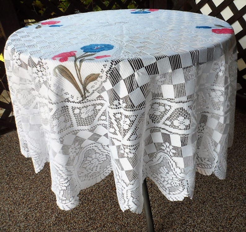 DISCOUNTED Vintage Lace Table Topper, Ivory Tablecloth, Lace Table Linen, Round  Table Topper