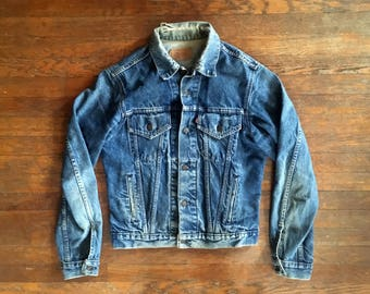 Vintage 1970s 1980s LEVIS Distressed Denim Work JEAN JACKET Size Medium 40 42 Lee Wrangler Workwear