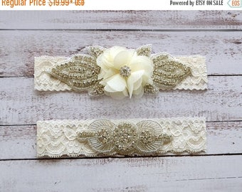 ON SALE Wedding Garter, NO Slip Lace Wedding Garter Set, bridal garter set, pearl and rhinestone garter set, vintage rhinestones Style A2011