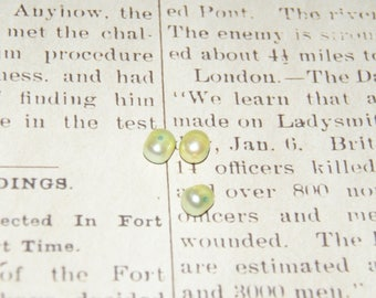3 soft green freshwater pearls 8 / 9mm