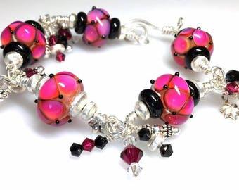 Handmade Glass beaded bracelet with Swarovski beads and sterling silver/Handmade Bracelet/Fuchsia and Black