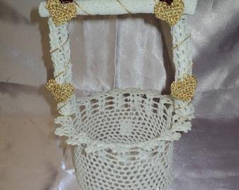 Well crocheted wedding table decor