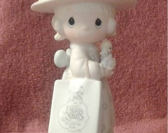 """ON SALE Vintage Precious Moments Figurine - """"Seek And Ye Shall Find"""" - 1981 Charter Member Collectors Club - Closed 1985"""