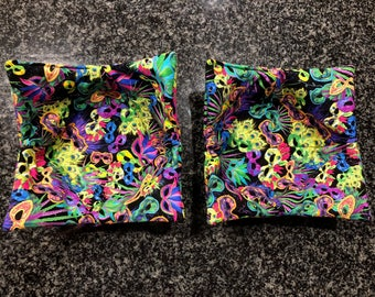 Microwave Bowl Holder Pair - Mardi Gras Masks
