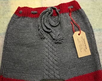 Coulotte Newborn 3-6 months in pure grey and red wool