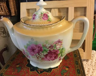 Late Victorian early Edwardian Teapot