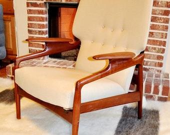 Fantastic FINN JUHL attributed Danish Sculptural Lounge Chair Recliner, Mid Century Modern, Teak Wood, Made In Denmark