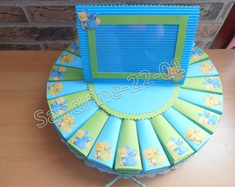 """24 cake boxes dragées """"cubs"""" light blue and lime green"""