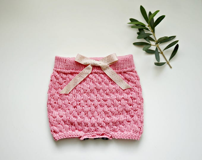 Featured listing image: KNITTING PATTERN - The Bubble Baby Bloomers