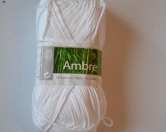 AMBER ball cotton and bamboo horse white 011